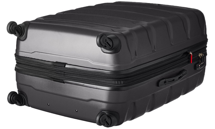 Samsonite Omni Luggage Set - Bottom