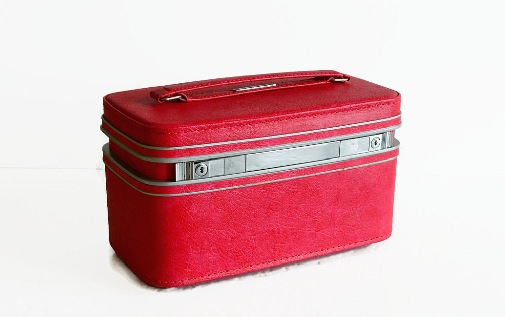 Samsonite Vintage Red Fashionaire Carry-On